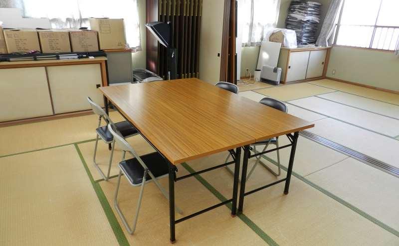 和室スペースにも机・椅子の用意が可能です