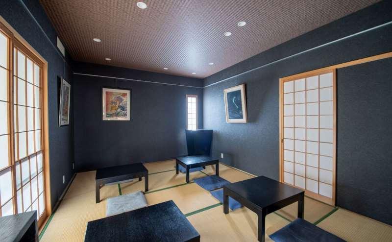 どちらの和室にもピクチャーレールがわたっており、展示会などにも便利です。