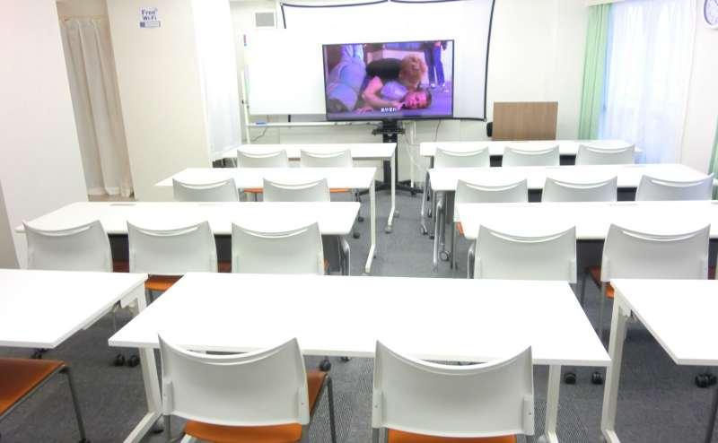 【新宿新南口1分】しらゆり会議室 ゆったりひろびろスペース