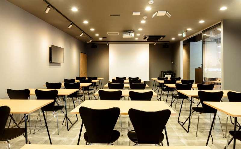 岡山駅 西口 オカジョブカフェ セミナースペース