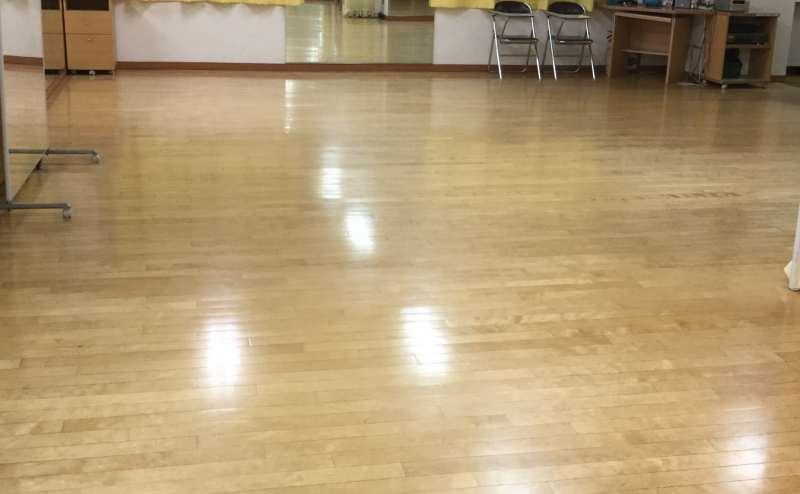 新宿3丁目駅徒歩3分 、ダンススタジオBレオン