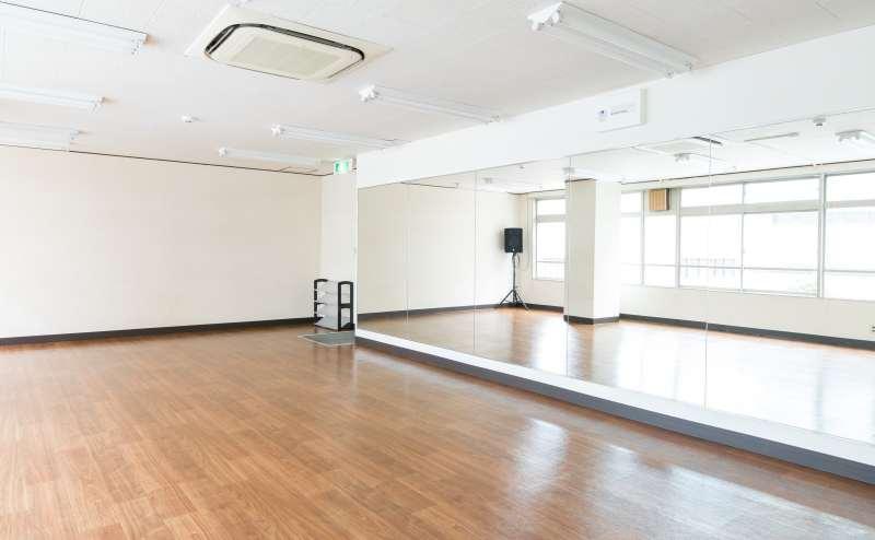 レンタルスタジオ1800円/時間~2800円/時間
