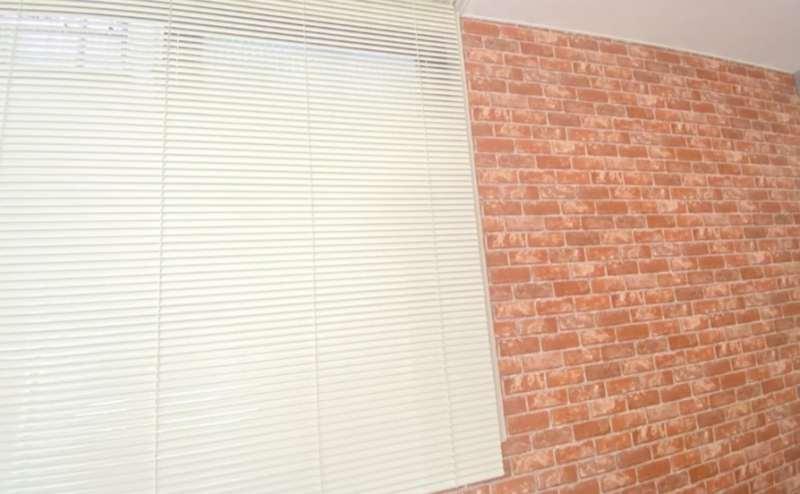 レンガ調の壁面となっております 写真撮影などにご利用ください