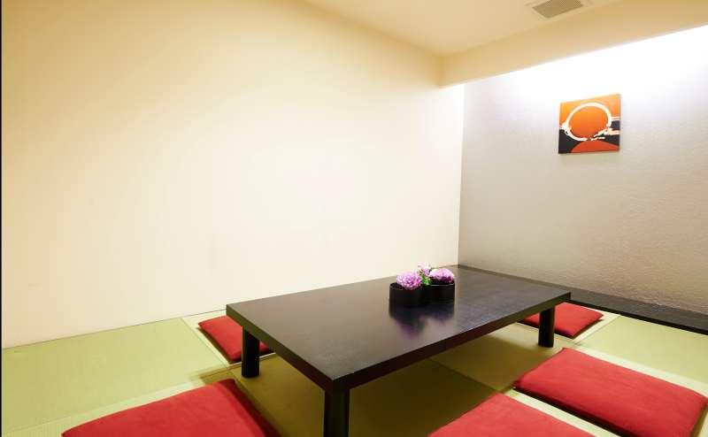 ご年配のゲストには和室はいかがでしょうか。ゆっくりとおくつろぎいただけます。