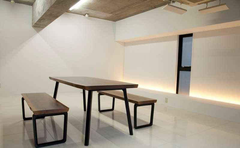 ナチュラルテイストの家具をご用意。写真撮影にご自由にご利用いただけます
