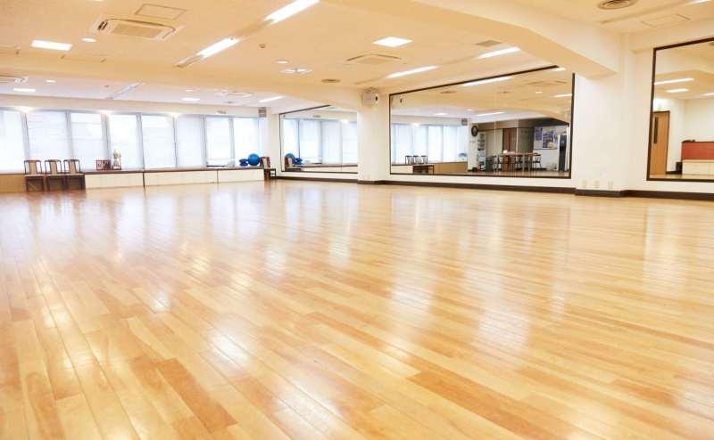 JR東海道本線(東京~熱海)横浜駅 のレンタルスタジオ