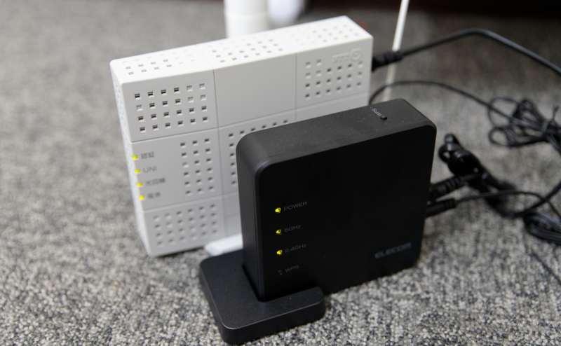 少人数向け貸し会議室「みーてぃんぐすぺーす本町」のWi-Fiは、フレッツ光。安定高速回線で、スカイプ面接や動画再生もサクサクできます。
