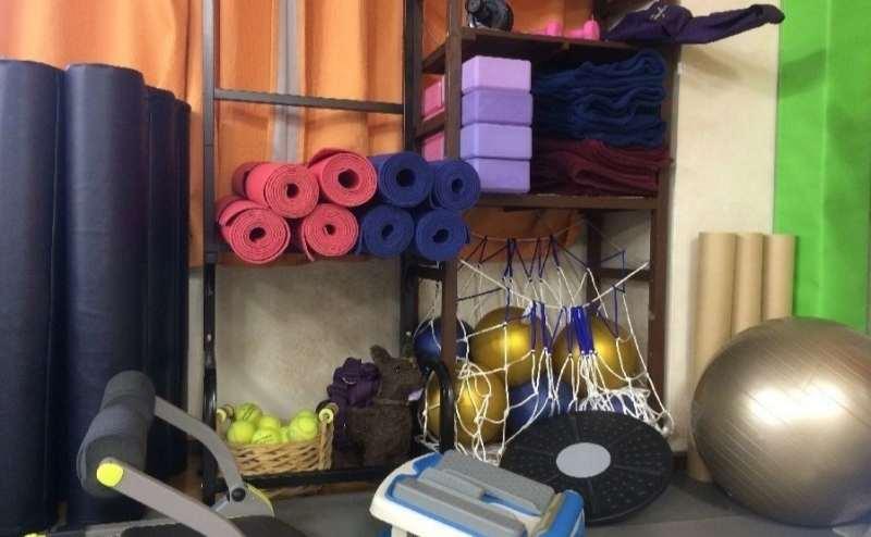 ヨガマット、バランスボールなど、ストレッチやヨガのための備品も多数ご用意しています