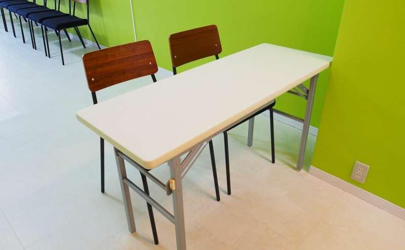 テーブルと椅子を使って受付を作ることも出来ます。