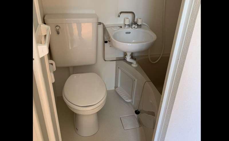 室内にトイレも設置されています。