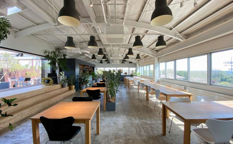 【Lounge2343】会議・撮影・教室・BBQのできる厚木市のレストラン