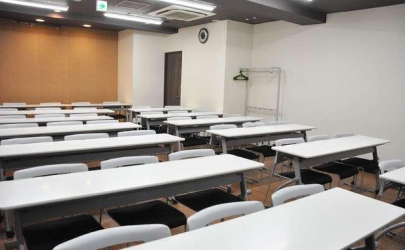 【3階大会議室】四ツ谷駅近く 駅から徒歩1分の格安貸し会議室  最大収容40名の広々スペース