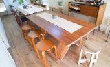 組み立て式テーブルを繋げると10人以上の会議や会合に即対応!