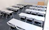 スクール形式で標準27名  最大30名収容可能です