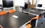 テーブルを離すと、最大16名程度着席いただけます。カルチャー教室や懇親会などにおススメです。